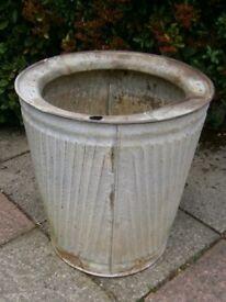 Unsual old dolly tub wash tub non splash galvanised