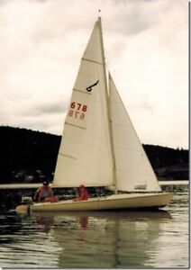 18 foot  Chrysler Buccaneer sailboat with trailer