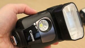 Canon Speedlite 320EX Flash with Built-In LED video light