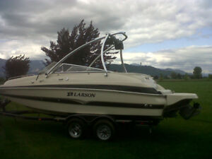 LARSON BOWRIDER BOAT FOR SALE