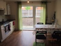 nice double room available now 2017,close to manchester uni and students only