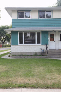 Side-by-Side for rent | East Kildonan