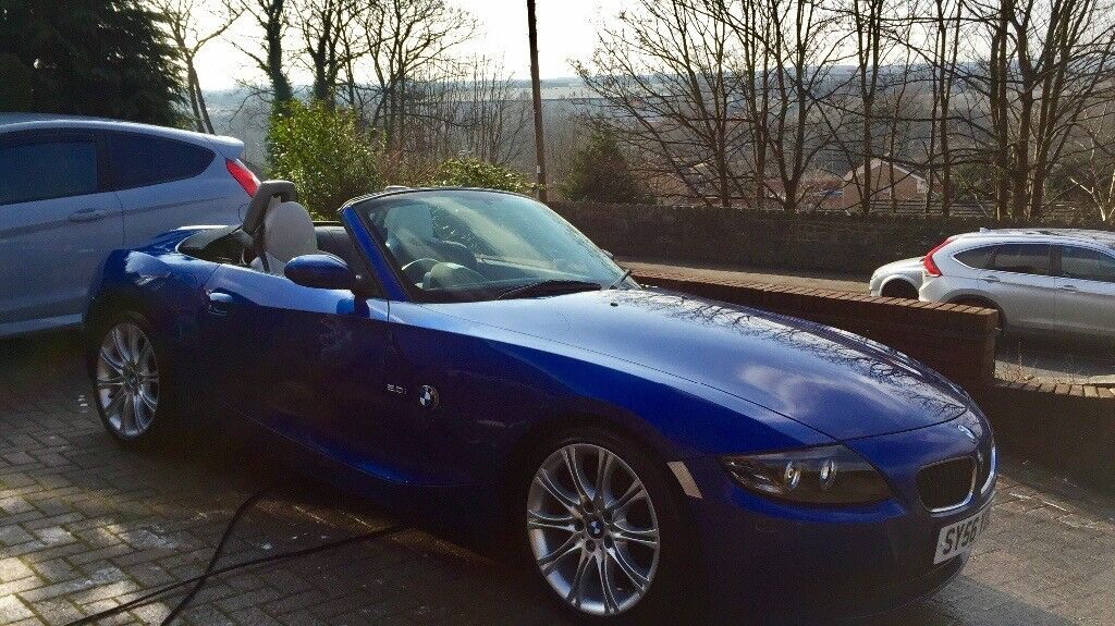 Blue BMW Z4 cream leather interior