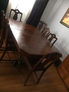 Antique Wood Dining Table & 7 Chairs