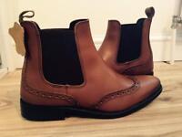 Dealer boots size 7