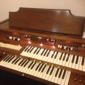 GULBRANSEN PARAGON DELUXE ELECTRIC ORGAN & Large Matching, Heavy, Padded Stool