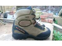 Men's Goretex walking boots Size 41