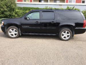 2010 Chevrolet Suburban SUV, Crossover