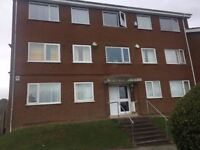 ** LOVELY 2 BEDROOM FLAT, STOPSLEY AREA, CLOSE TO TOWN**