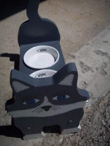 Cat Dish Holder