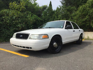 2010 Ford Crown Victoria Police intercepteur