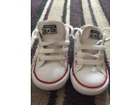 Toddlers converse trainers