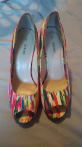 Size 8.5 platform shoes