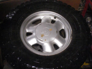 Set of 4 Good Year Duratrac 265/75/16 on 1/2 ton GM Mag Wheels