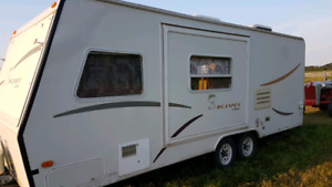 2000 Jayco Kiwi Hybrid Travel trailer with slide out and A/C