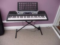 YAMAHA ELECTRIC ORGAN KEYBOARD EZ-150 COMPLETE WITH STAND