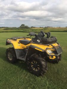 REDUCED 2009 can am outlander