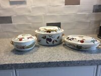 Royal Worcester Evesham 1 casserole large, 2 vegetable dishes good condition buyer collects.