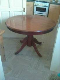 Solid round dinning table