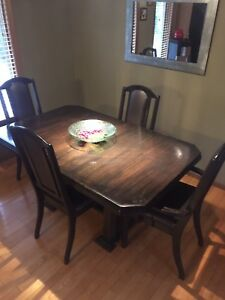 Solid Oak Table w/6chairs n extension