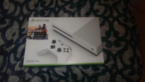Xbox one  comes with 3 games