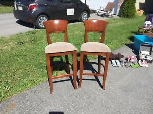 Chairs/stools NEED GONE