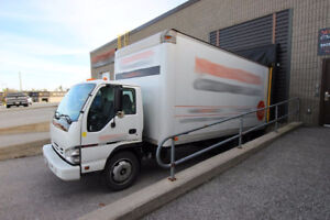 2008 GMC W5500 - Low KM - 18'  Box w/ Ramp