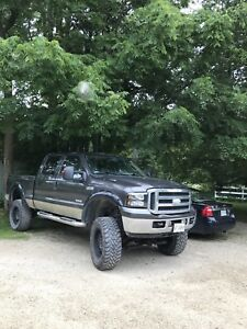 2005 FORD F350 LIFTED & BULLETPROOFED