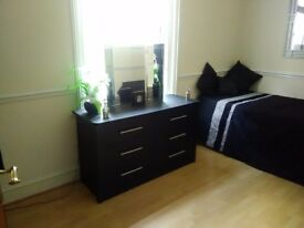 Lovely clean room to rent in copnor