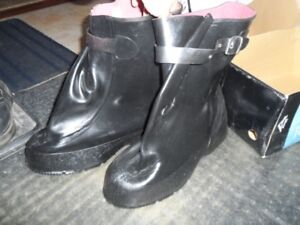 Men's X-TRA Overshoes - Acton - Size 13 - Brand New in Box