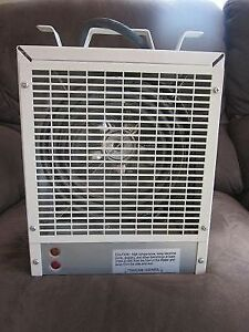 BRAND NEW NEVER USED 240V 4800W CONST/GARAGE HEATER ADJ THERMOST