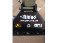Rhino roof bars