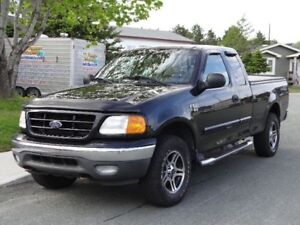 2004 F150 4x4 Heritage edition XTR SELLING ((((PARTS TRUCK))