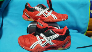 Tennis/Badminton/Volleyball, Asics brand womens/kids size 7