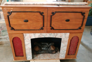 Vintage Koronette stereo, fireplace, bar.