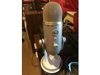 Blue yeti USB Microphone Silver edition (Good condition)