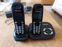 Set of 2 Panasonic landline telephones + answer machine