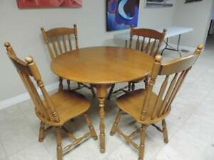 Roxton Dining Table And 4 Chairs