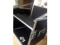 Lightweight Flight case. Mixer + 6U rack space. Band PA DJ