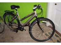 DAWES DISCOVERY 301 CITY COMMUTER HYBRID BICYCLE BIKE GREAT CONDITION EXTRAS NO SWAPS