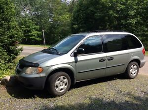 Mini-van Dodge Caravan 2003