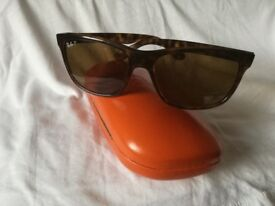 Ray-Ban sun Glasses, urworn, unisex. Half price in Central London.