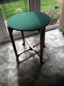 Table .upcycled vintage card table