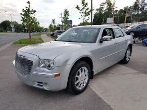 2010 Chrysler 300 Limited V6 NAV-LTHR-ROOF