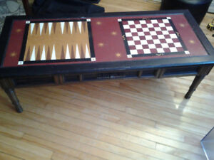 VINTAGE SOLID WOOD CHESS BACKGAMMON TABLE WITH DRAWER FOR FIGURI