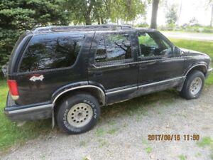 1995 Chevrolet Blazer silver SUV, Crossover