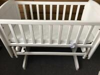 Baby swinging crib as new used half a dozen times