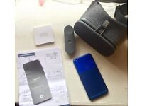 GOOGLE PIXEL BLUE 32gb and a DAYDREAM, all mint condition