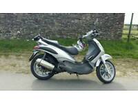 Piaggio b125 scooter