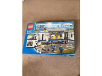 Lego City Police Mobile Police Unit Set 60044
